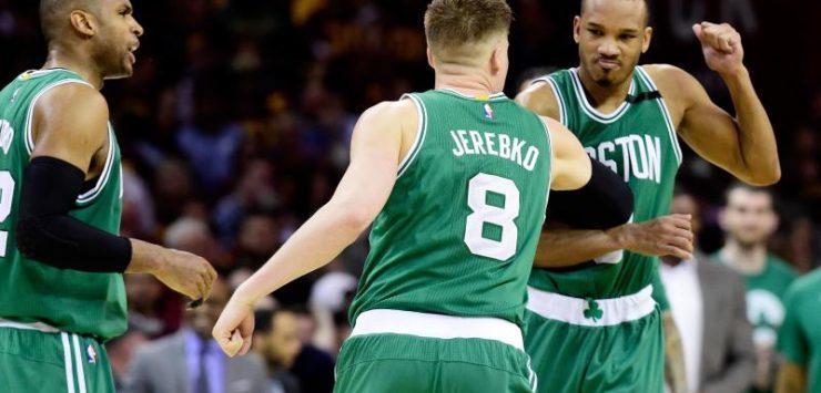 Bradley, Celtics shock Cavs