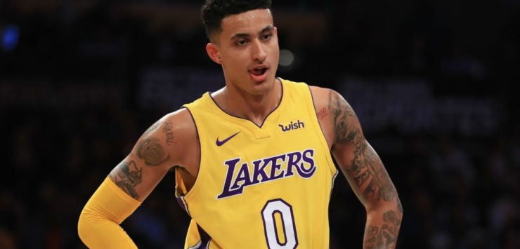 Lakers Hold Team Meeting as Losses Mount